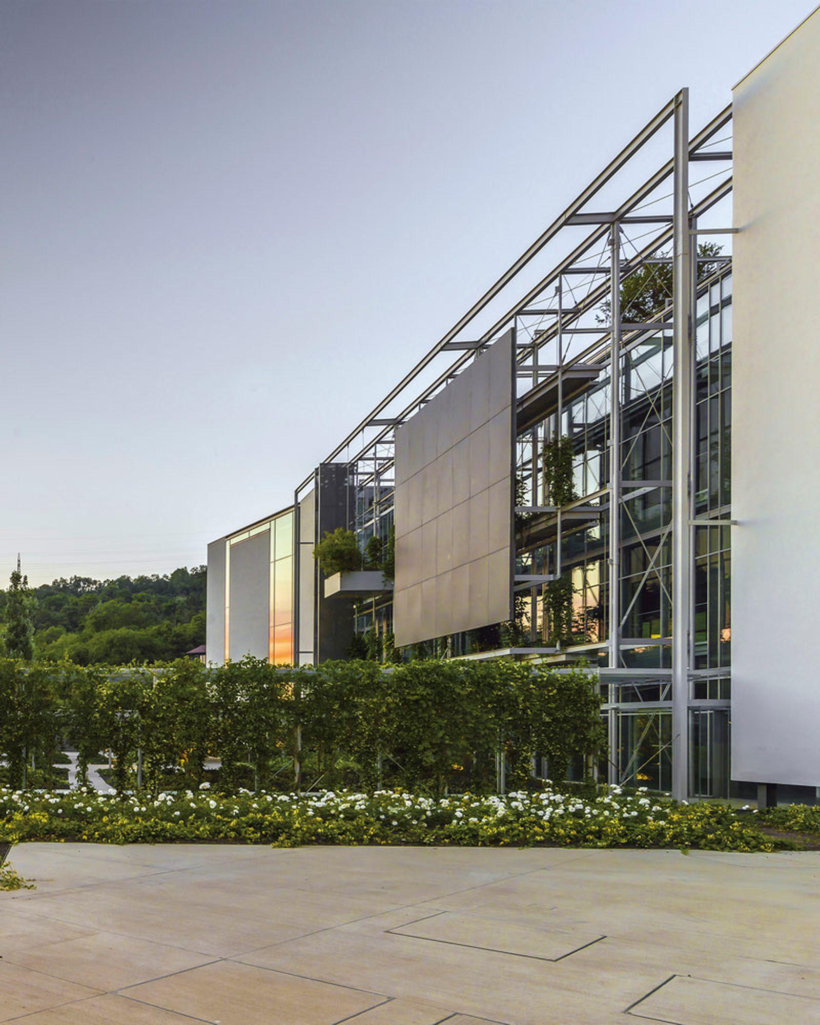 prada-hq-garden-factory-valvigna-11
