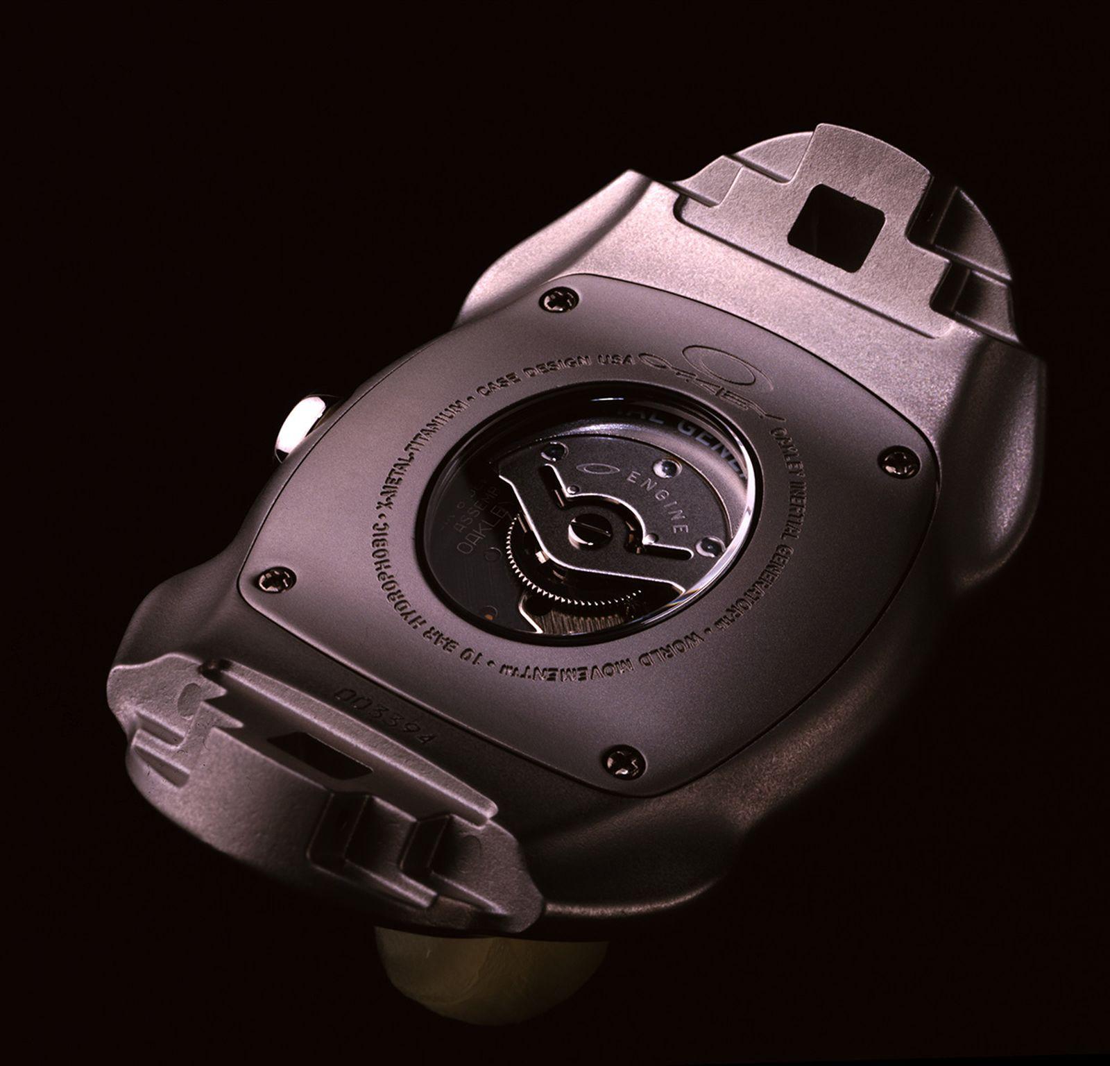oakley-watches-watch-back-02
