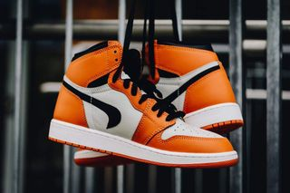 "989576bc59abb8 This Factory-Flawed ""Reverse Shattered Backboard"" Jordan 1 Costs  146"
