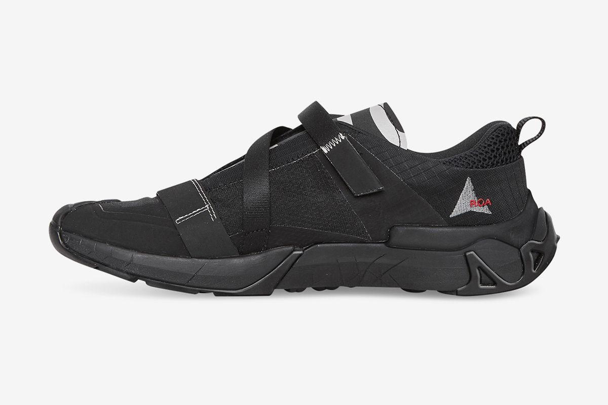 ROA's Banging New Slip-On Goes From the Streets to the Trails 68