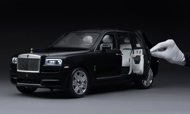 Rolls Royce Cullinan 1:8 Scale Model
