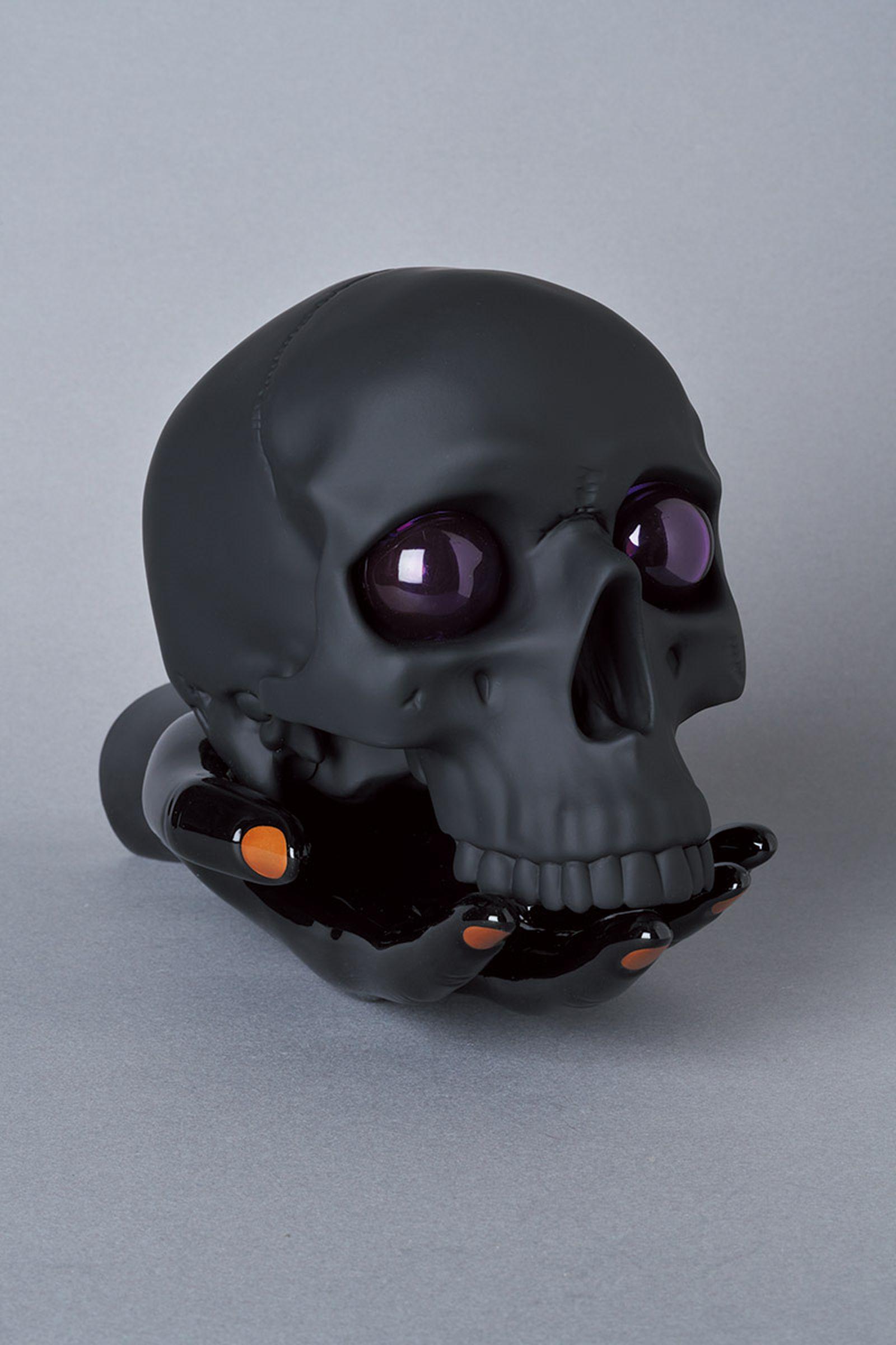 undercover-p-m-usher-spooky-season-skull-lamp-01
