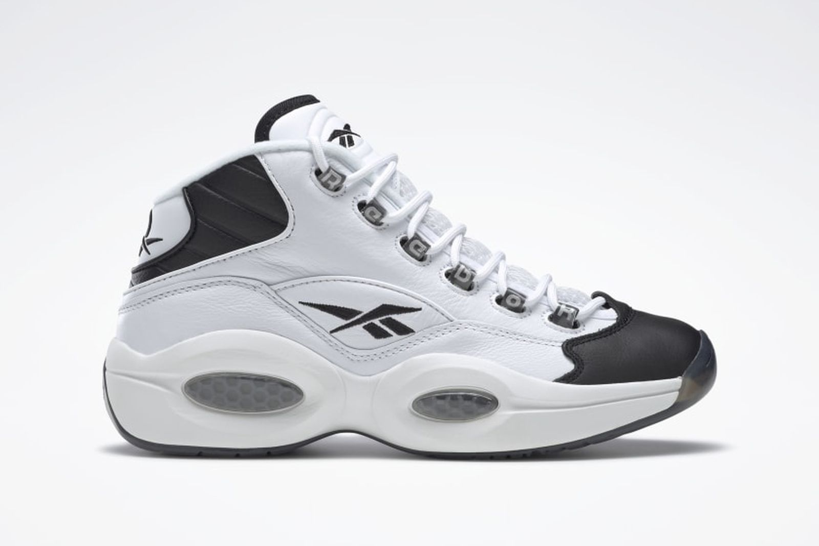 daily-sneaker-news-03-01-2021-2-01