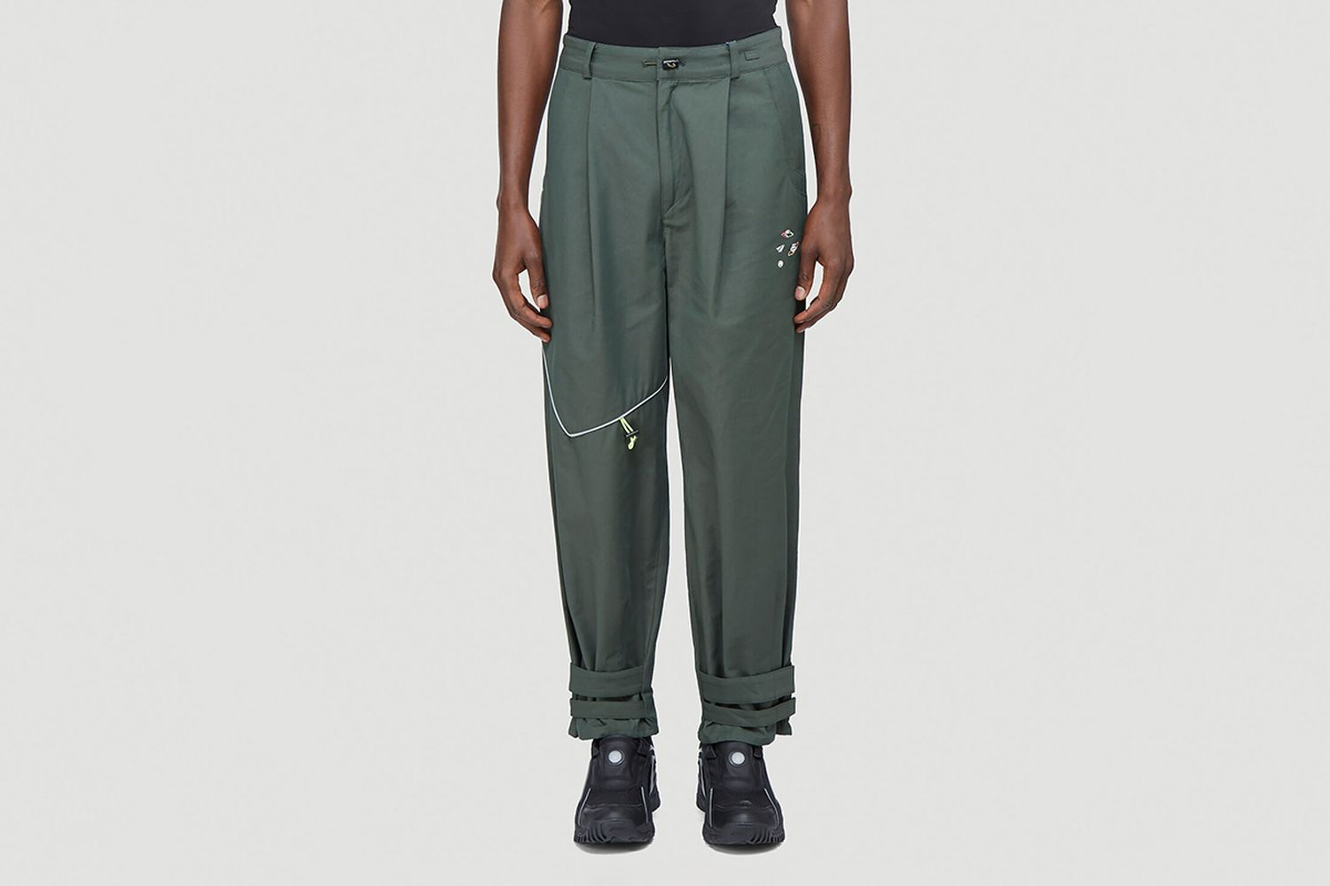 Double-Pocket Tapered Pants