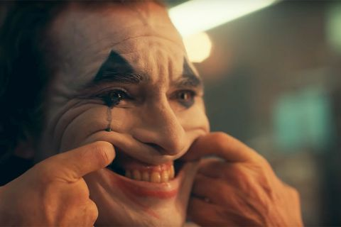 best website 9915b 015ff Here s Everything We Know So Far About Joaquin Phoenix s  Joker  Origin  Movie