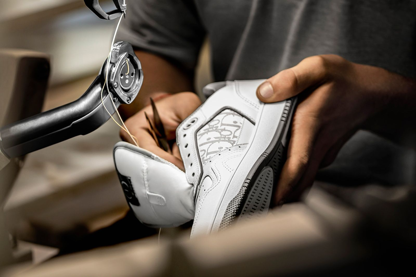 dior-b27-sneaker-release-date-price-new-03
