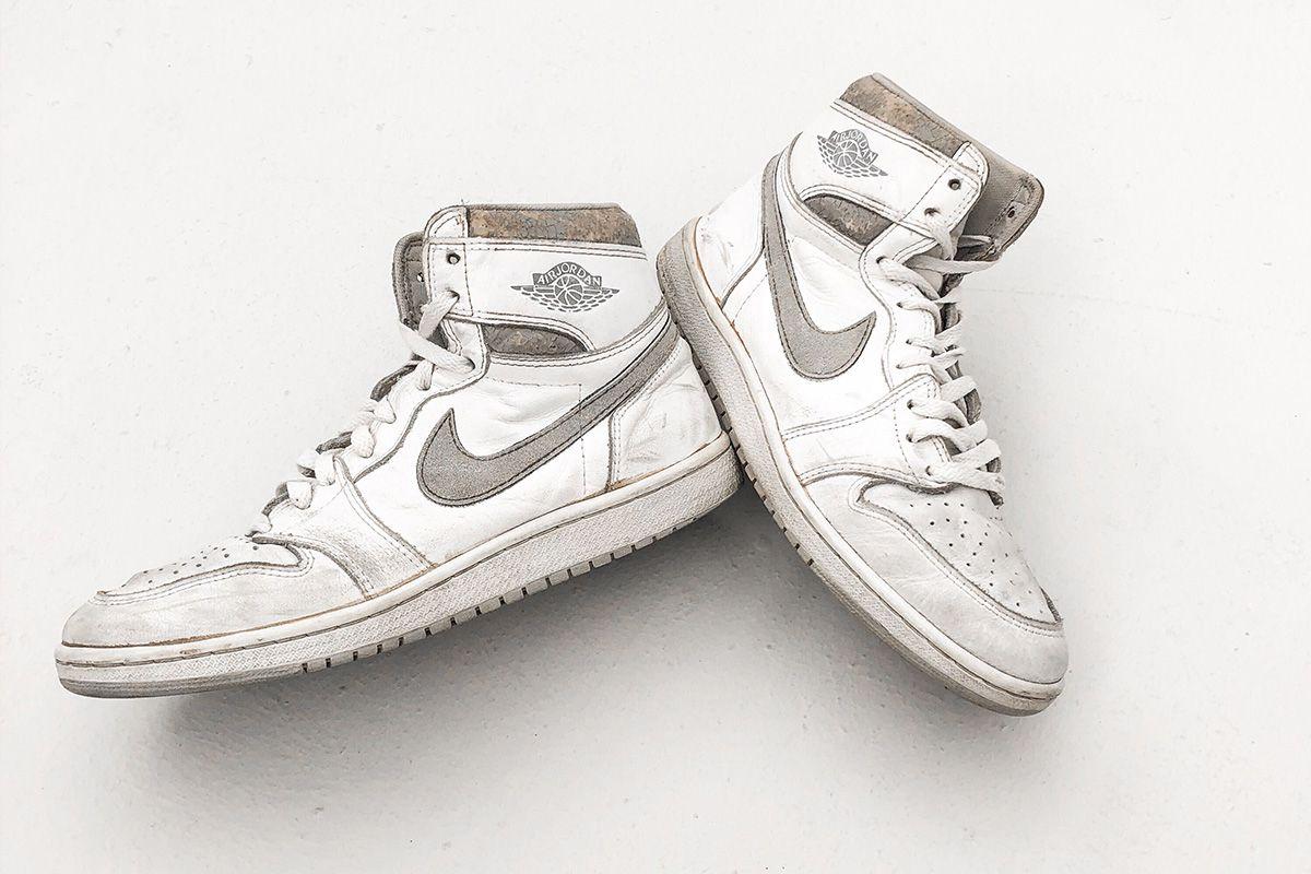 Birds-eye view of the Natural Grey Nike Air Jordan 1 from 1985