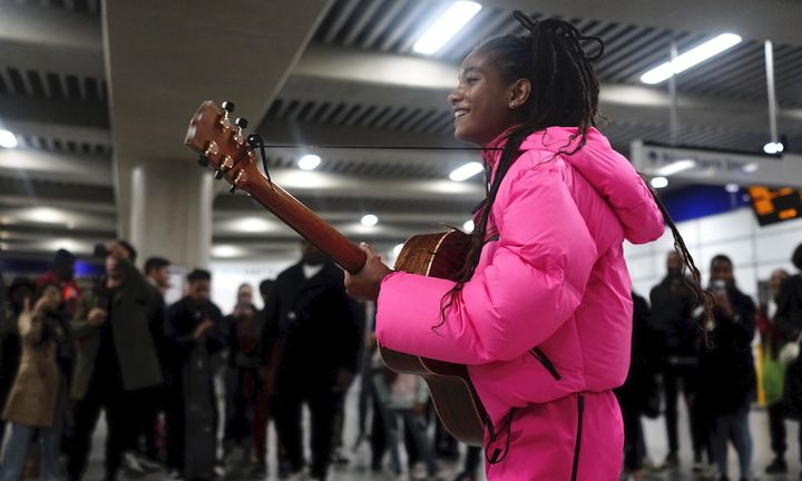 willow smith busks london underground prada linea rossa fw19