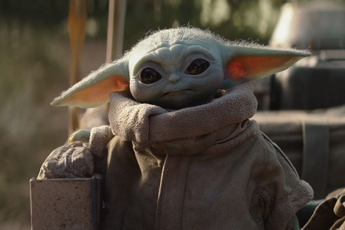 8 images of Baby Yoda (The Child)