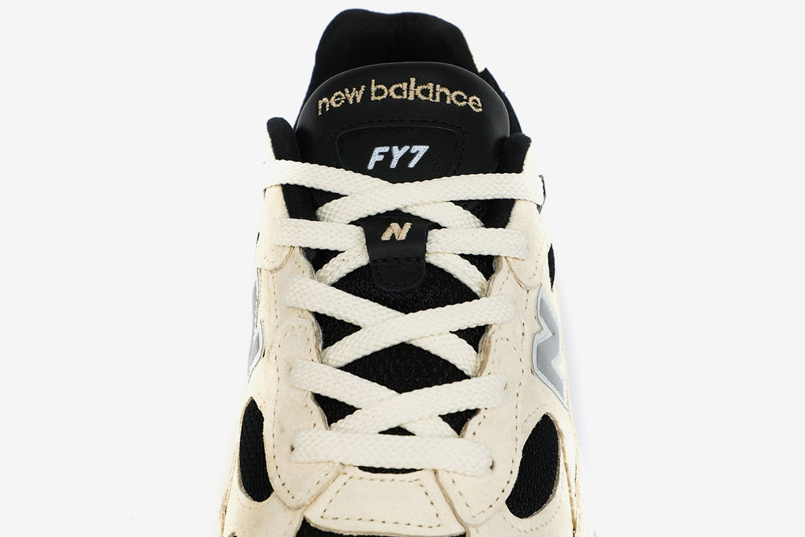 Studio FY7 x New Balance 992
