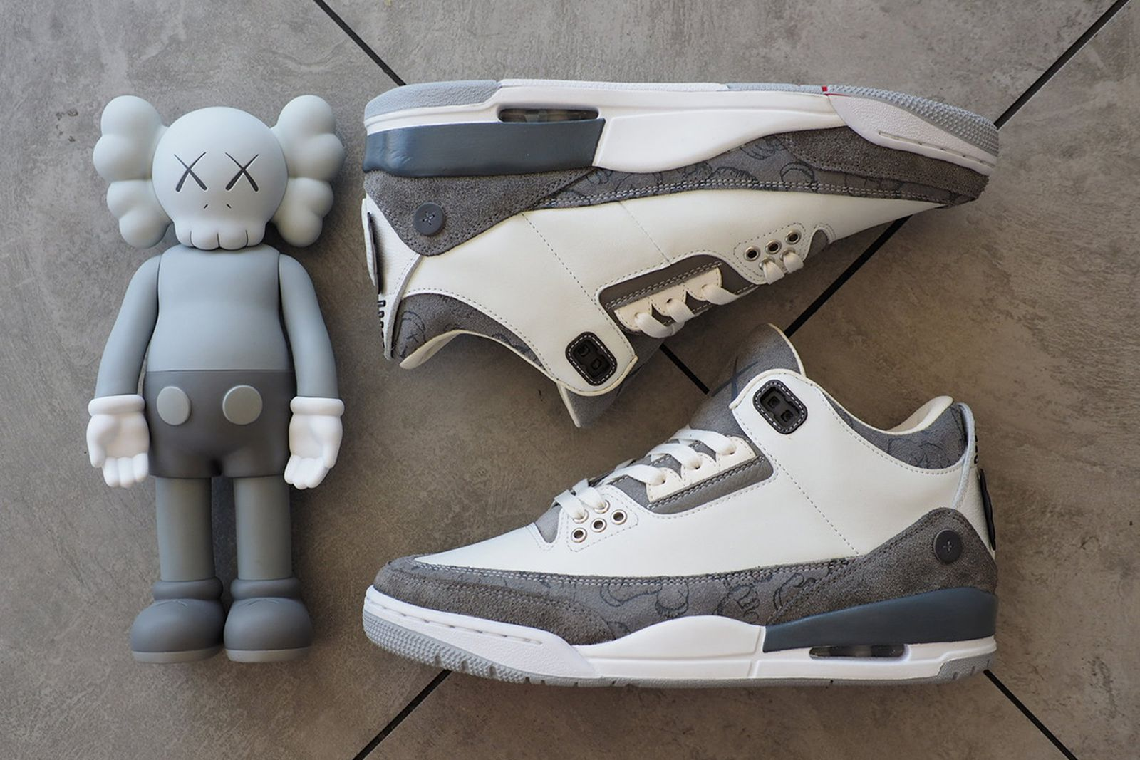 tonto audición montar  This Is What a KAWS x Nike Air Jordan 3 Could Look Like