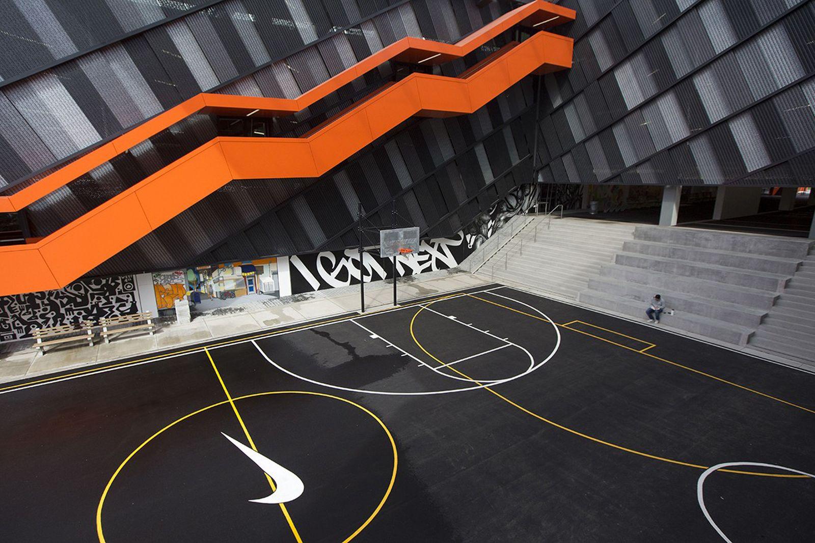 nike-headquarters-tour-01