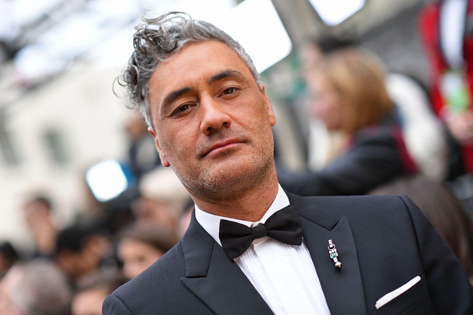 Taika Waititi tuxedo Oscars