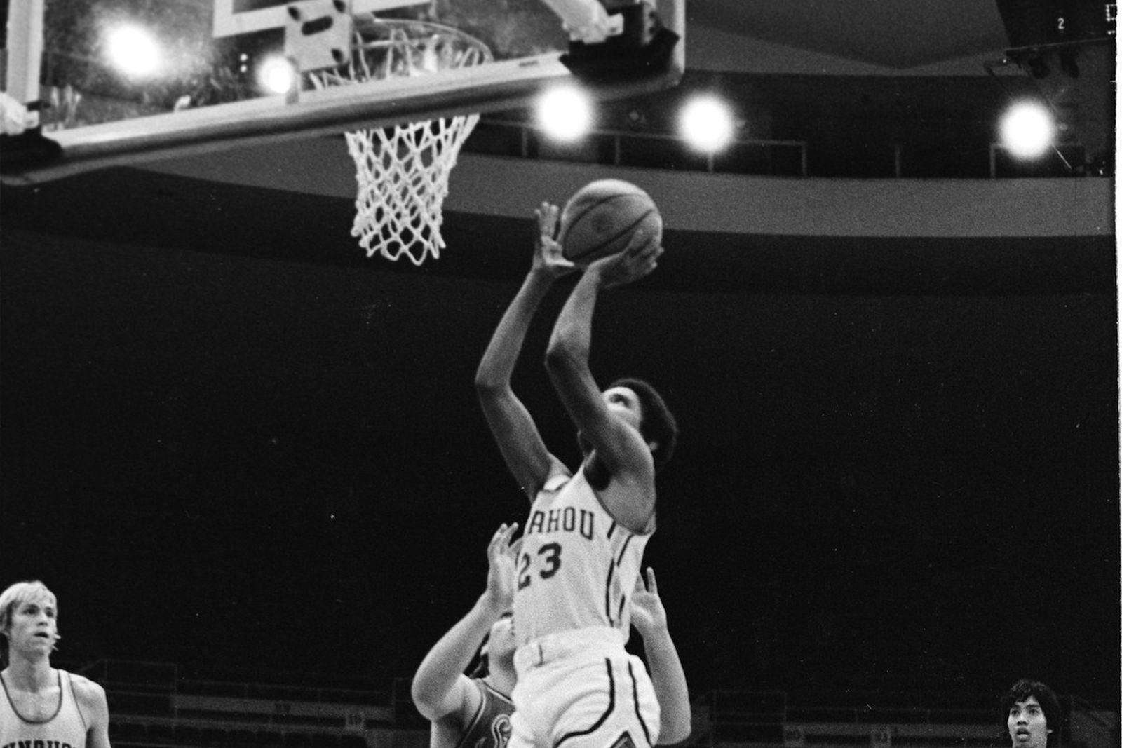 barack obama high school basketball jersey auction Old Town Road Robert De Niro The Irishman