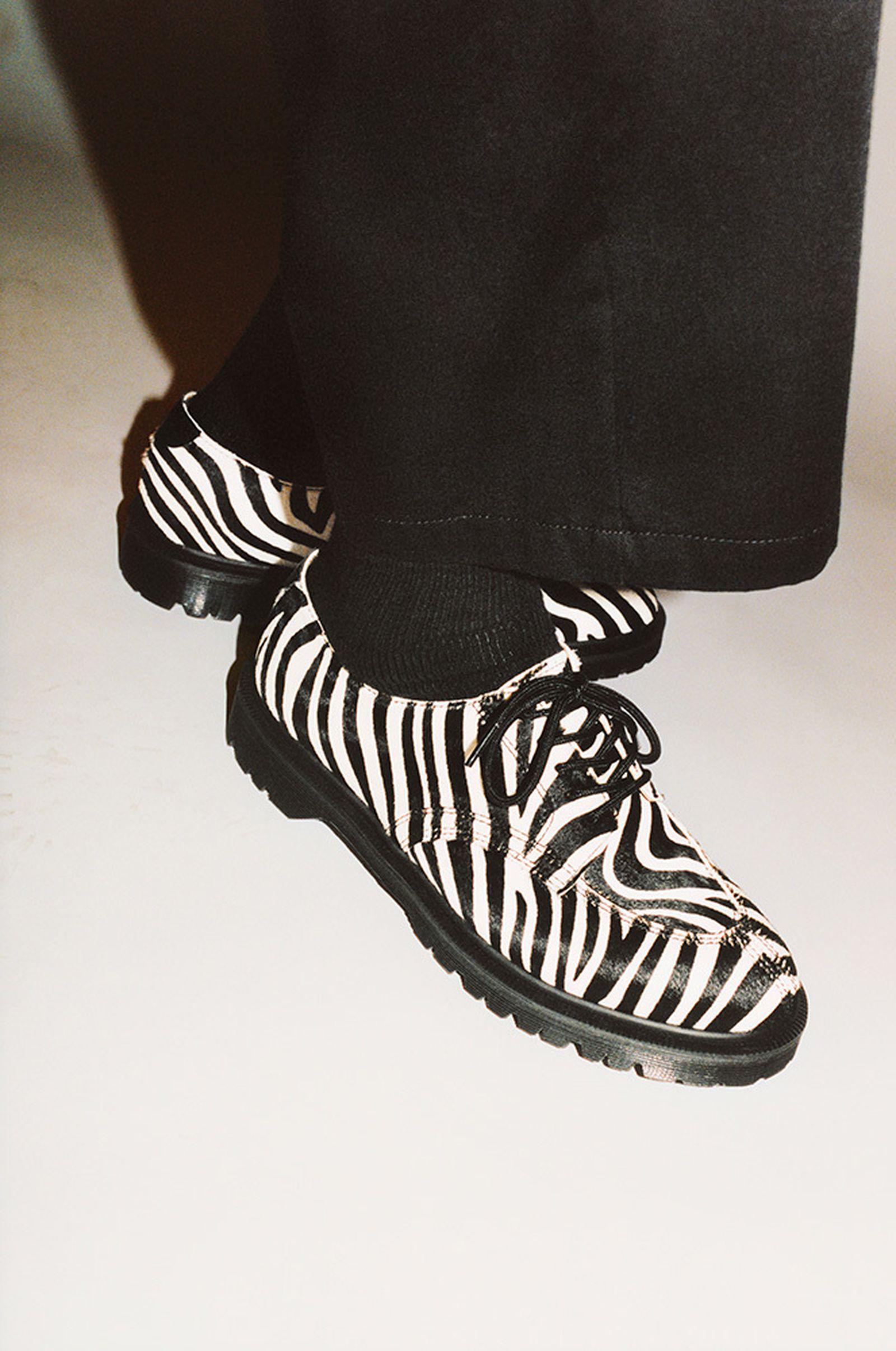 supreme-dr-martens-5-eye-shoe-release-date-price-01