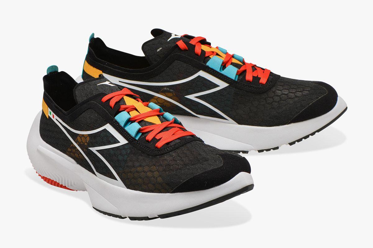 Junya Watanabe Resurrects a Forgotten New Balance & Other Sneaker News Worth a Read 47