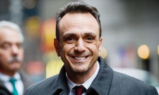 """Hank Azaria Says He's Willing To """"Step Aside"""" From 'Simpsons' Apu Role"""