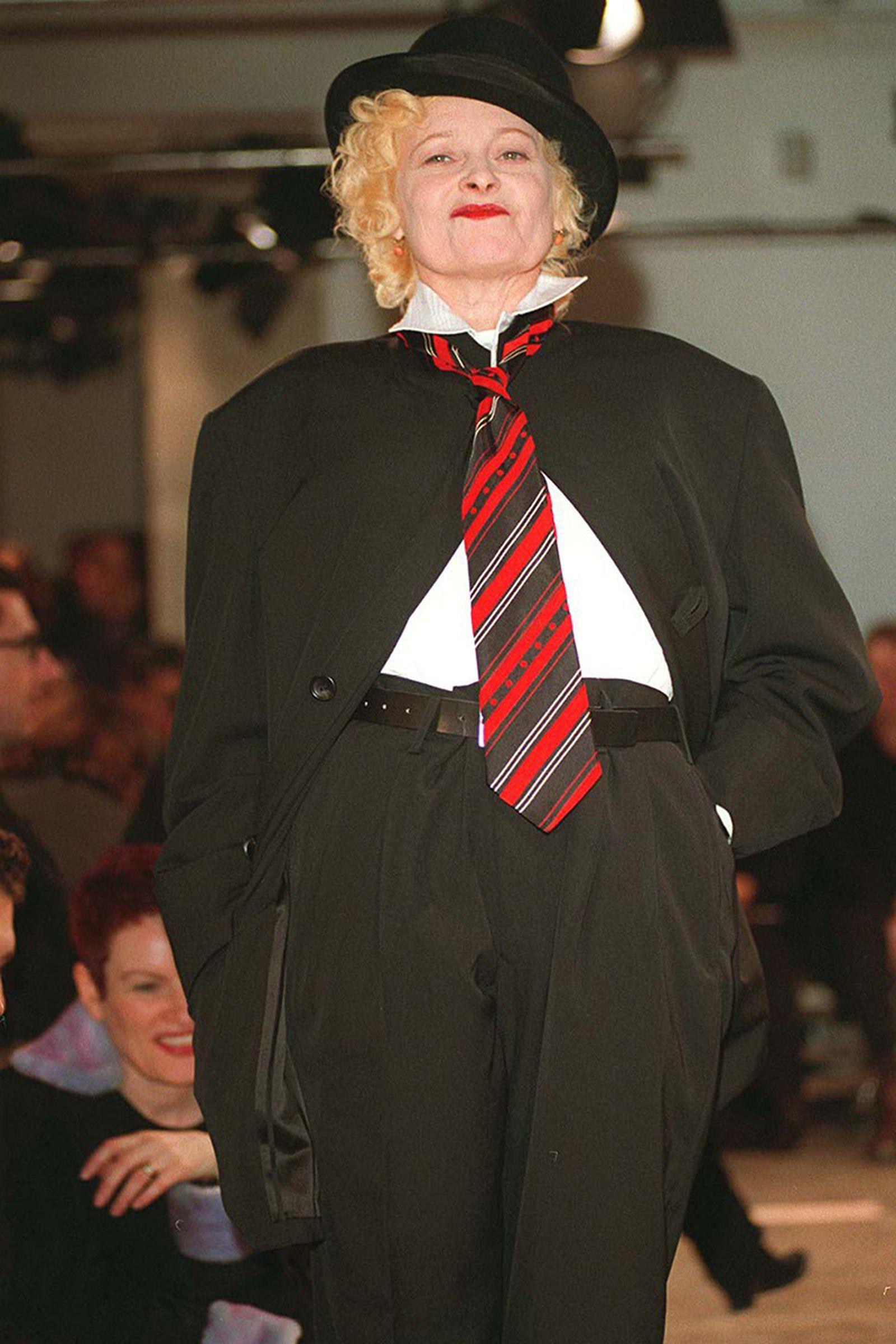 the-12-fashion-shows-that-changed-mens-fashion-yohji-1998-07