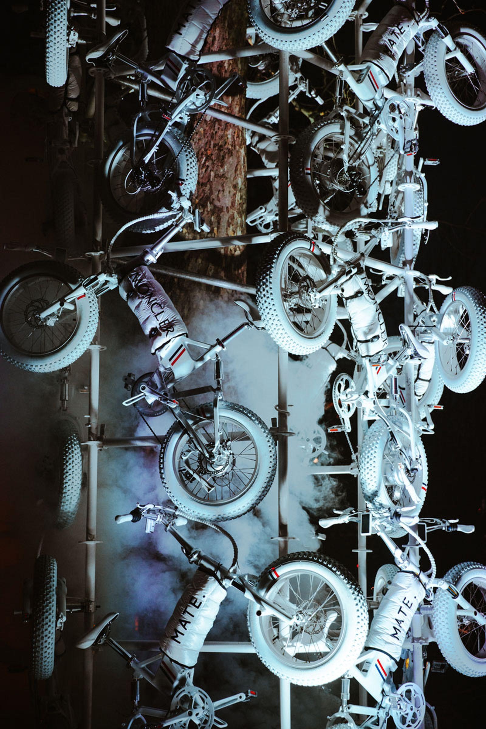 moncler-genius-fall-2020-hiroshi-matte-bike-08
