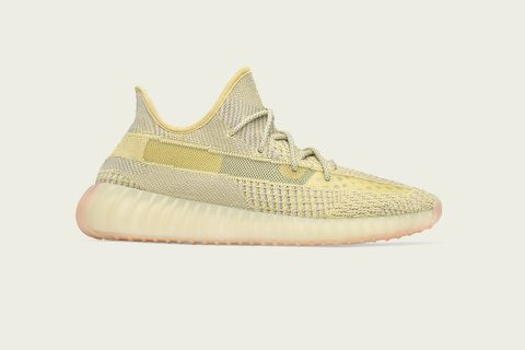 best loved 94b63 03dd8 YEEZY Shoes: Releases, Where to Buy & Prices