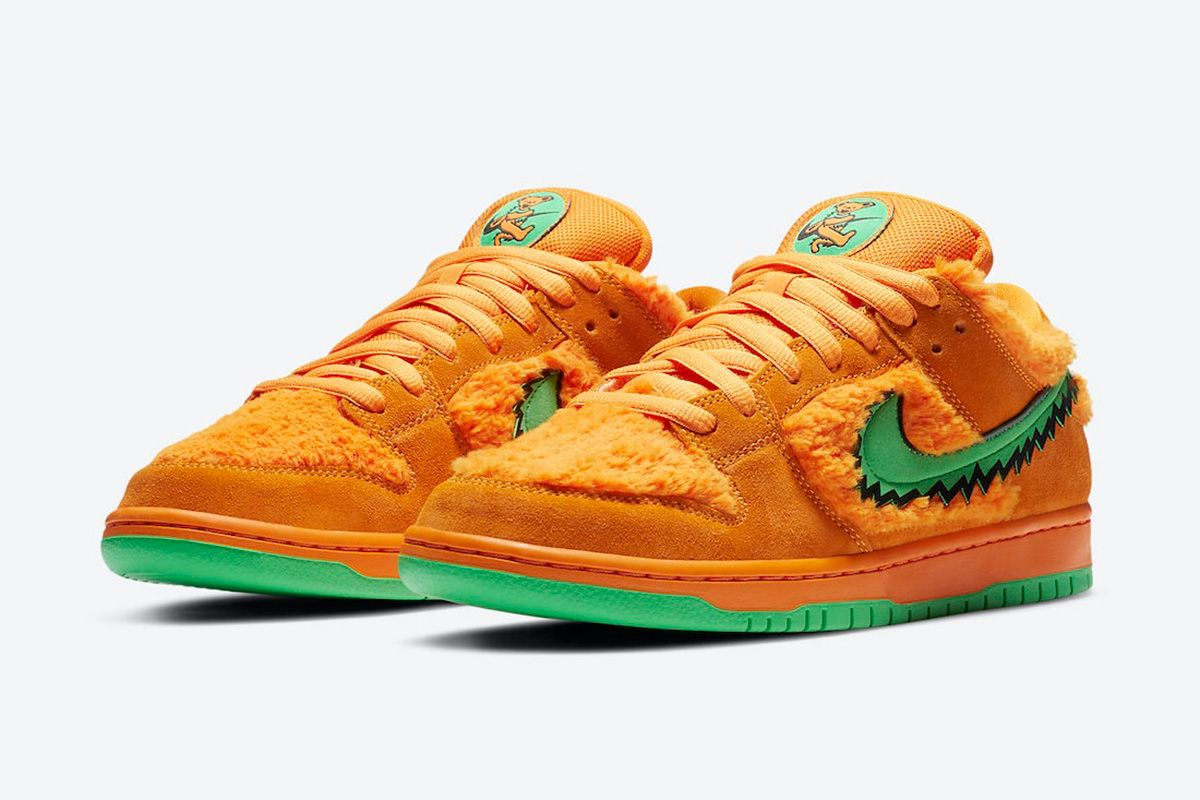 Shop Discounted Nike Dunks & More at Vestiaire Collective 3