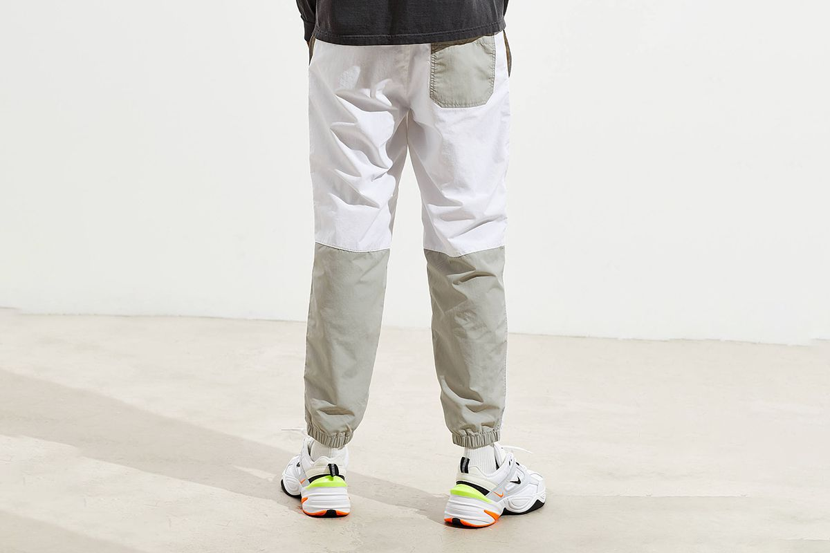 Knee Blocked Wind Pant