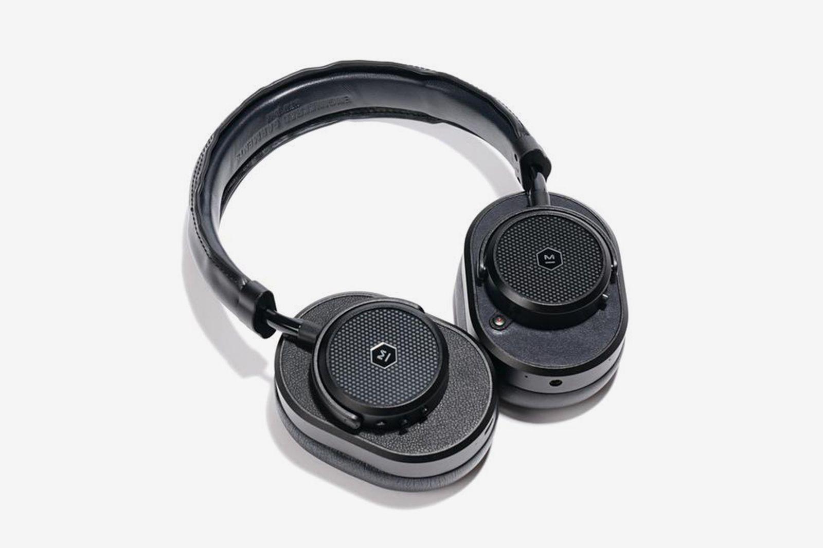 master-dynamic-engineered-garments-headphone-01