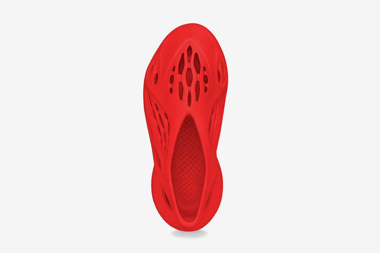 adidas-yeezy-foam-runner-vermilion-release-date-price-02