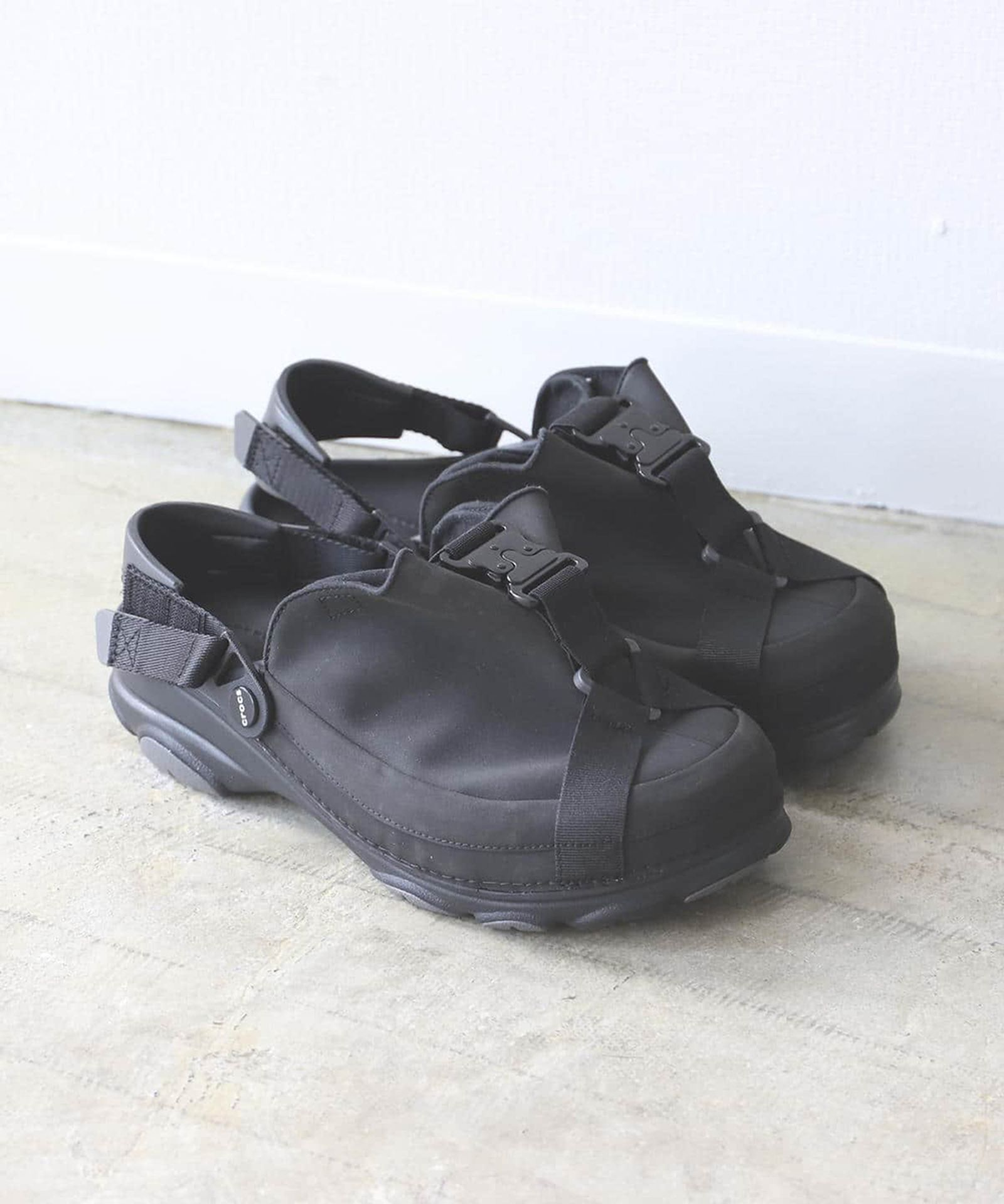 BEAMS x Crocs SS20