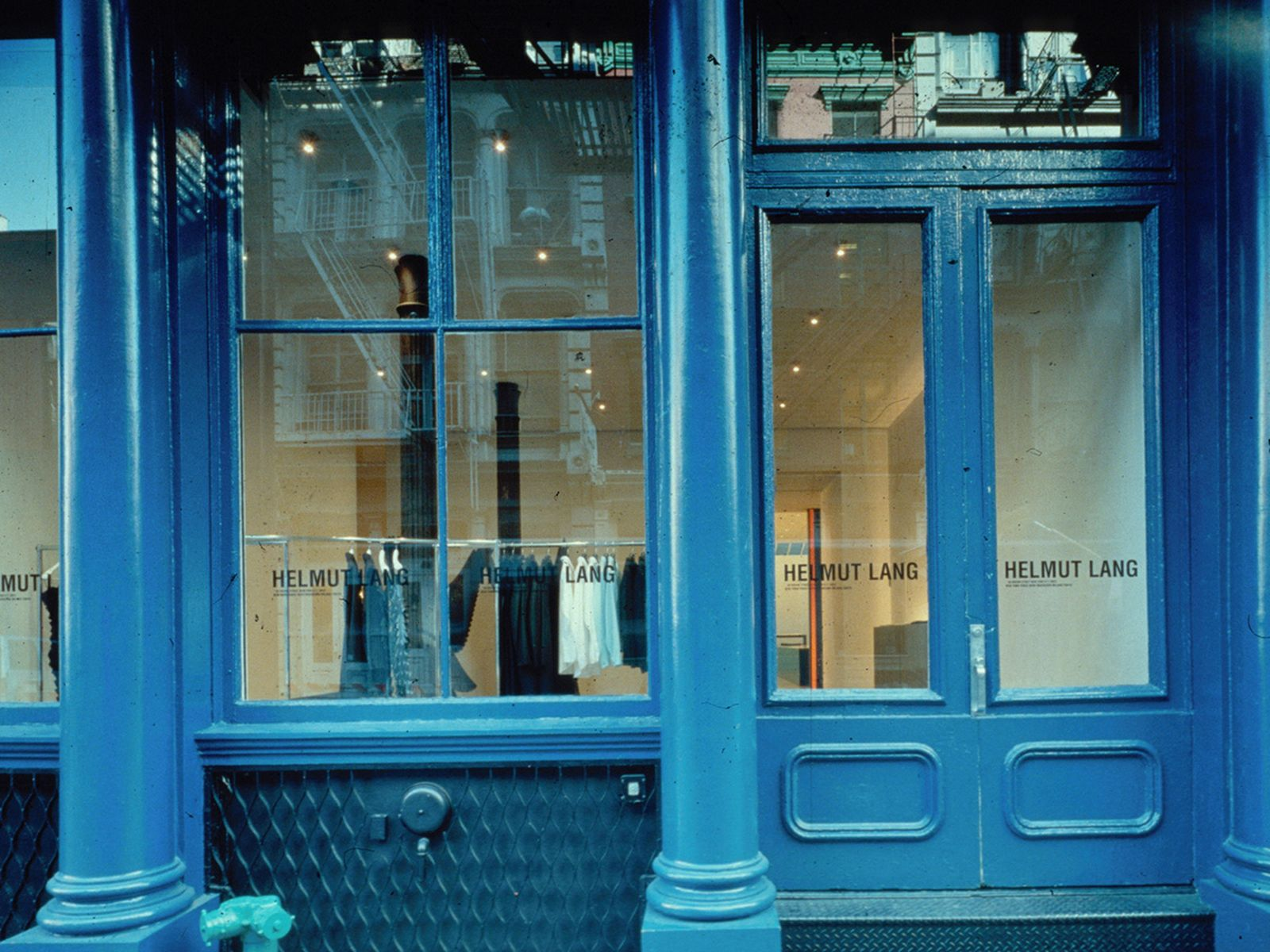game-changers-best-store-interiors-changed-fashion-helmut-lang-flagship-01