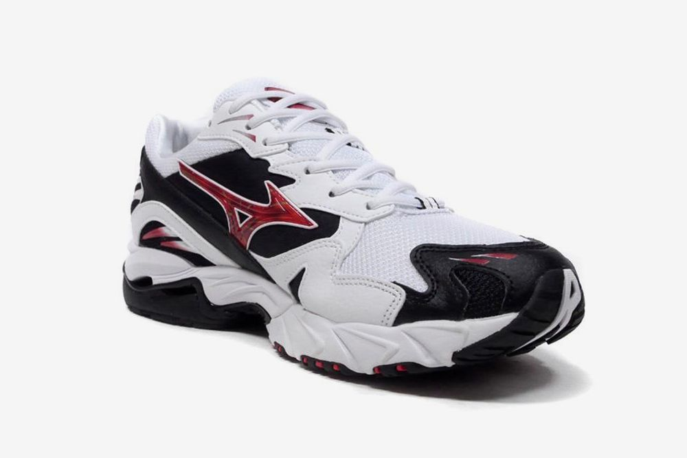 Mizuno Proves You Should Ride the Wave & Other Sneaker News Worth a Read 81