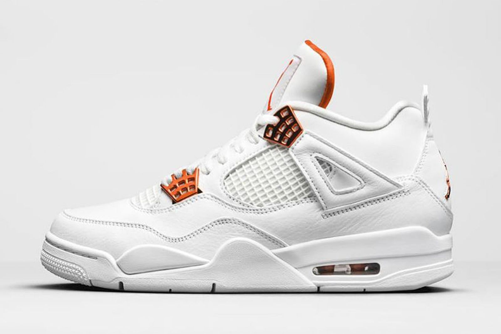 nike air jordan 4 metallic orange product shot