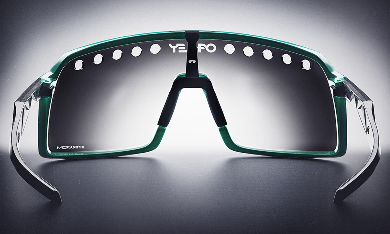 oakley-sutro-eyeshade-brian-takumi-6