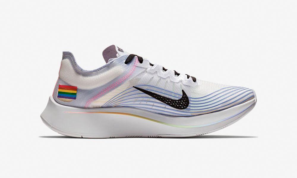 Parpadeo Confundir Practicar senderismo  Pride Month Rainbow Colorways From Nike, adidas & More