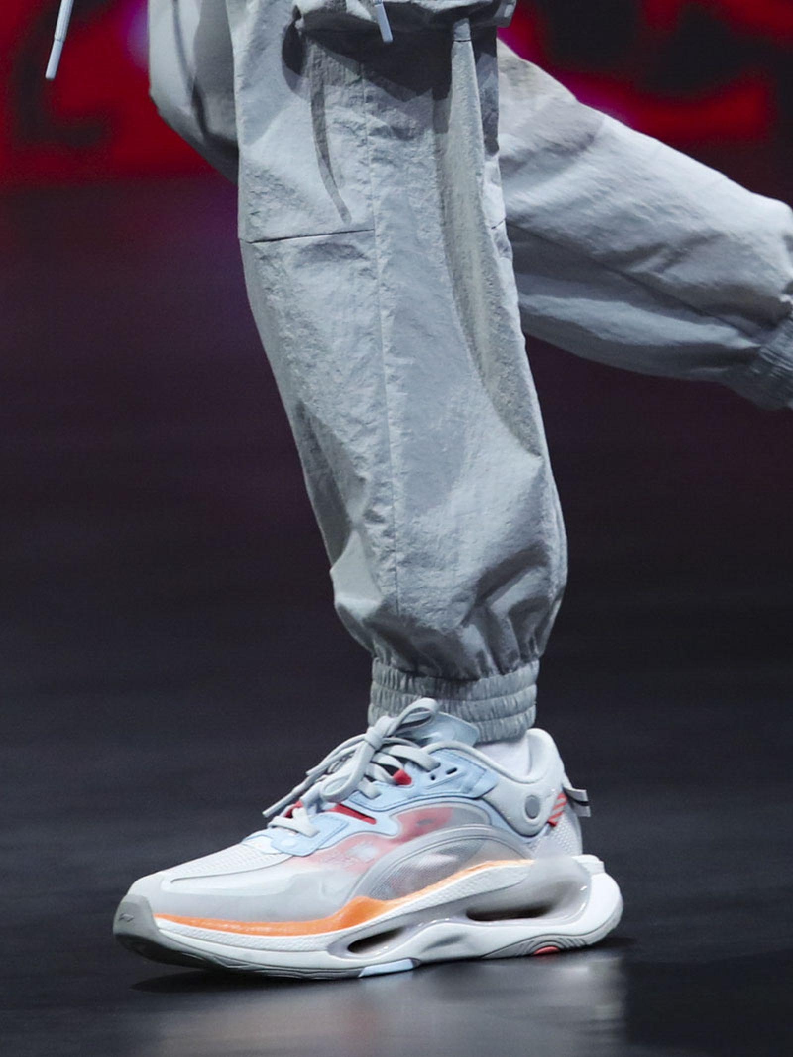 li-ning-ss21-footwear-collection-paris-fashion-week-011