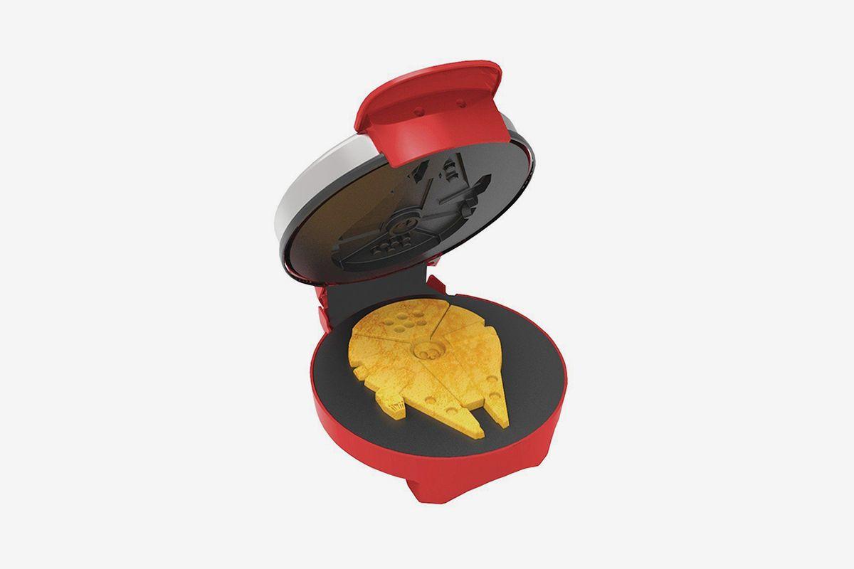 Millennium Falcon Waffle Maker