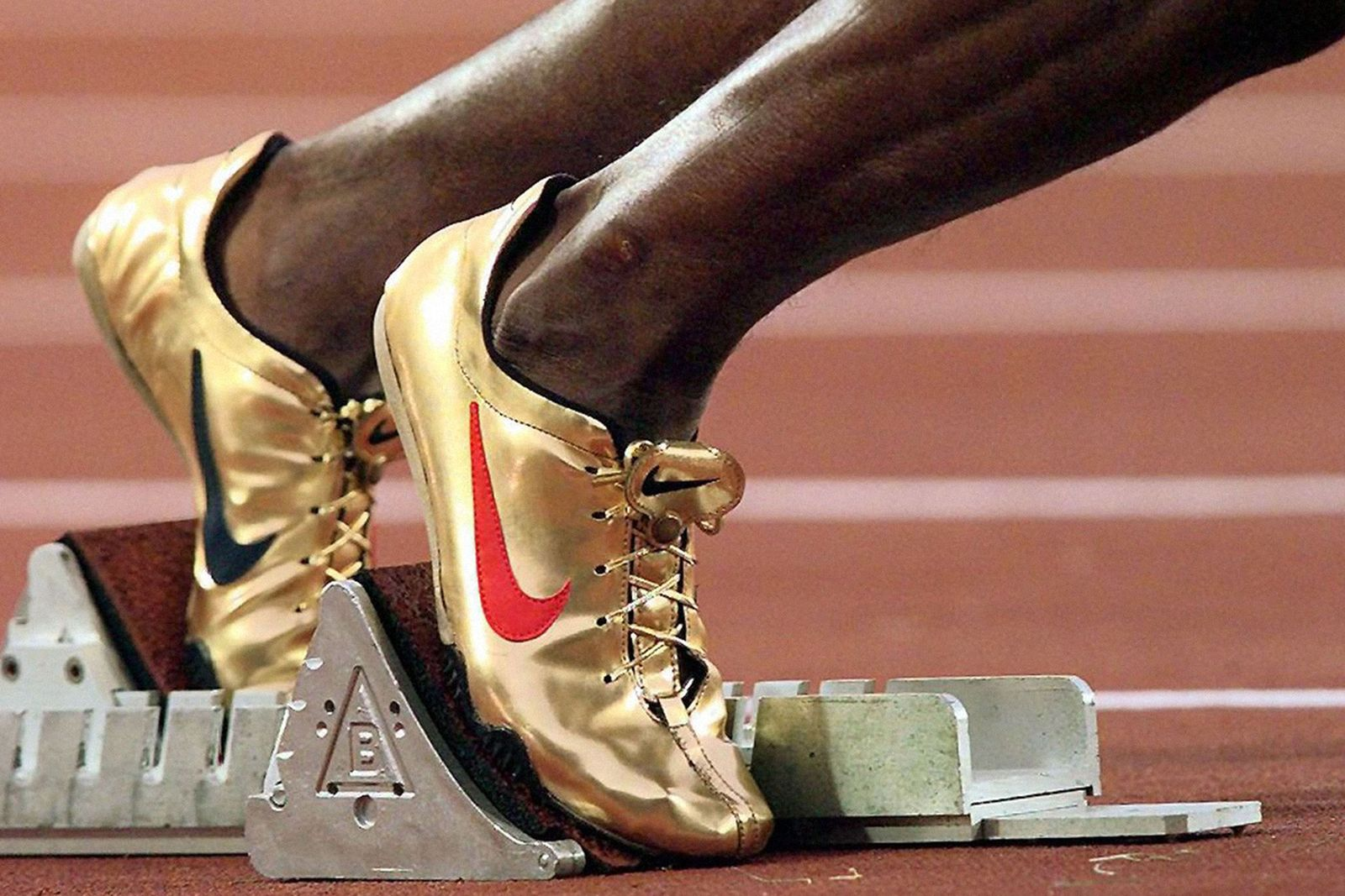 most-iconic-olympics-fashion-moments-14