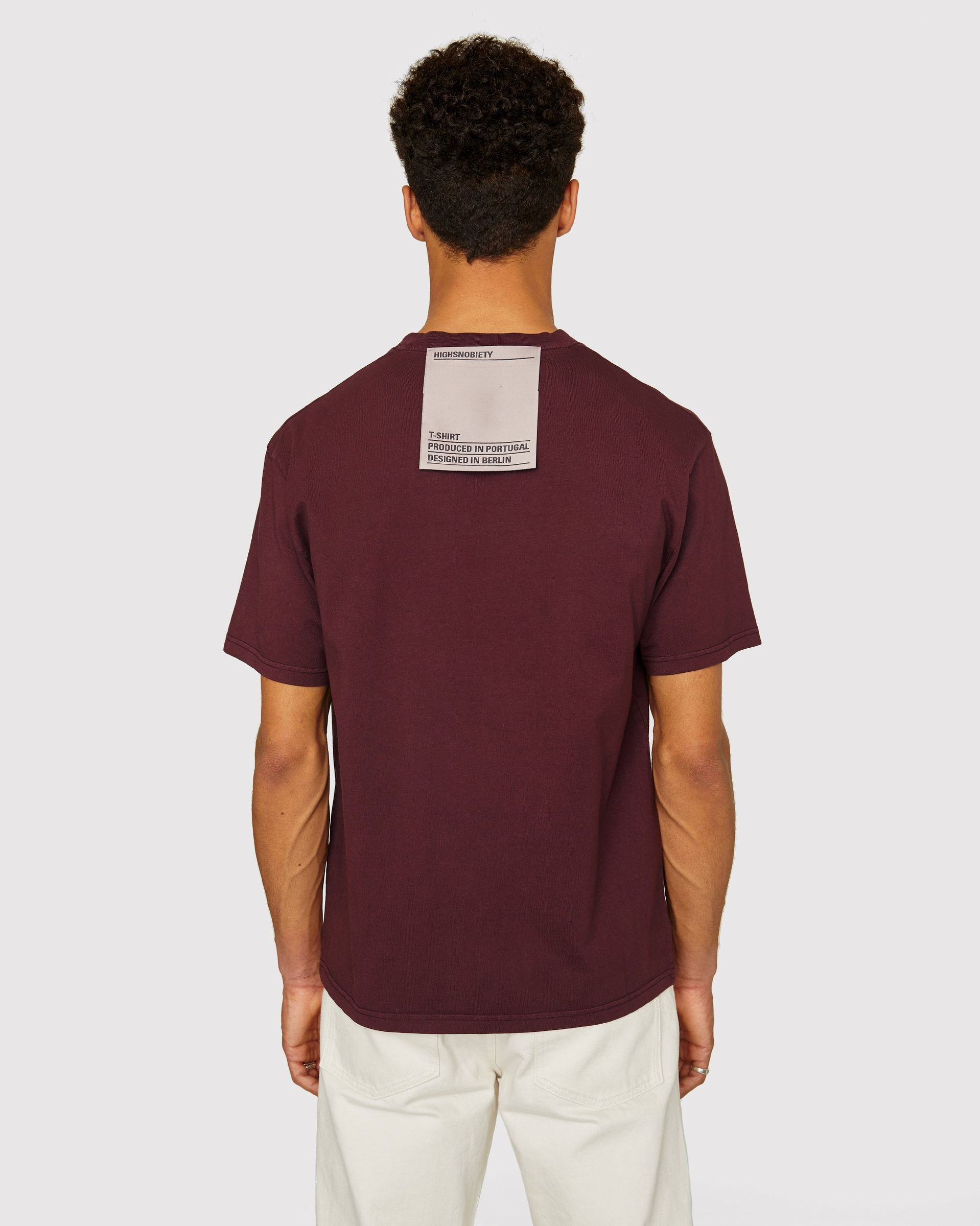 Highsnobiety Staples - T-Shirt Burgundy - Image 3