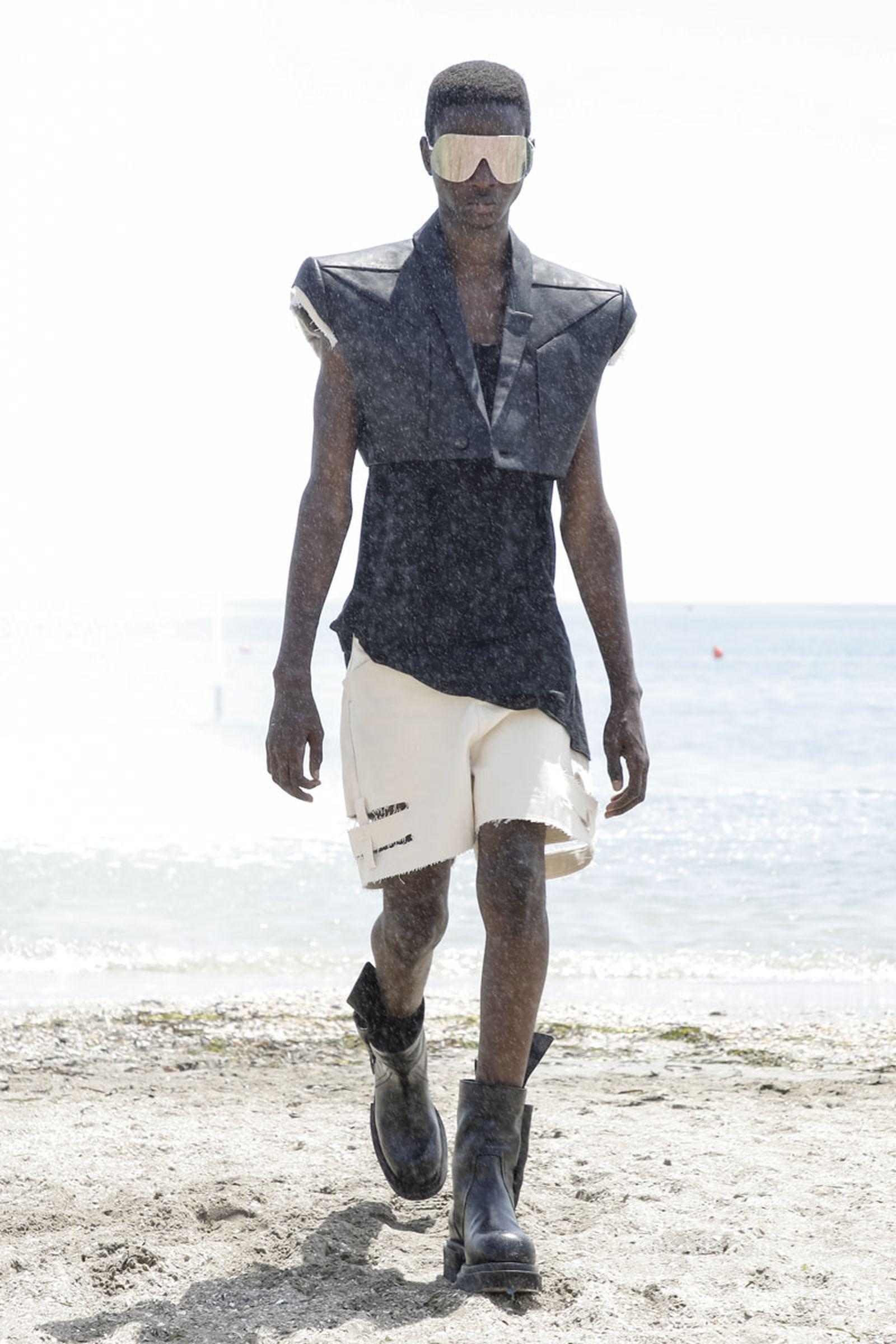 Rick Owens Fashion show, Runway, Spring Summer 2022, Paris Fashion Week, Venice Lido