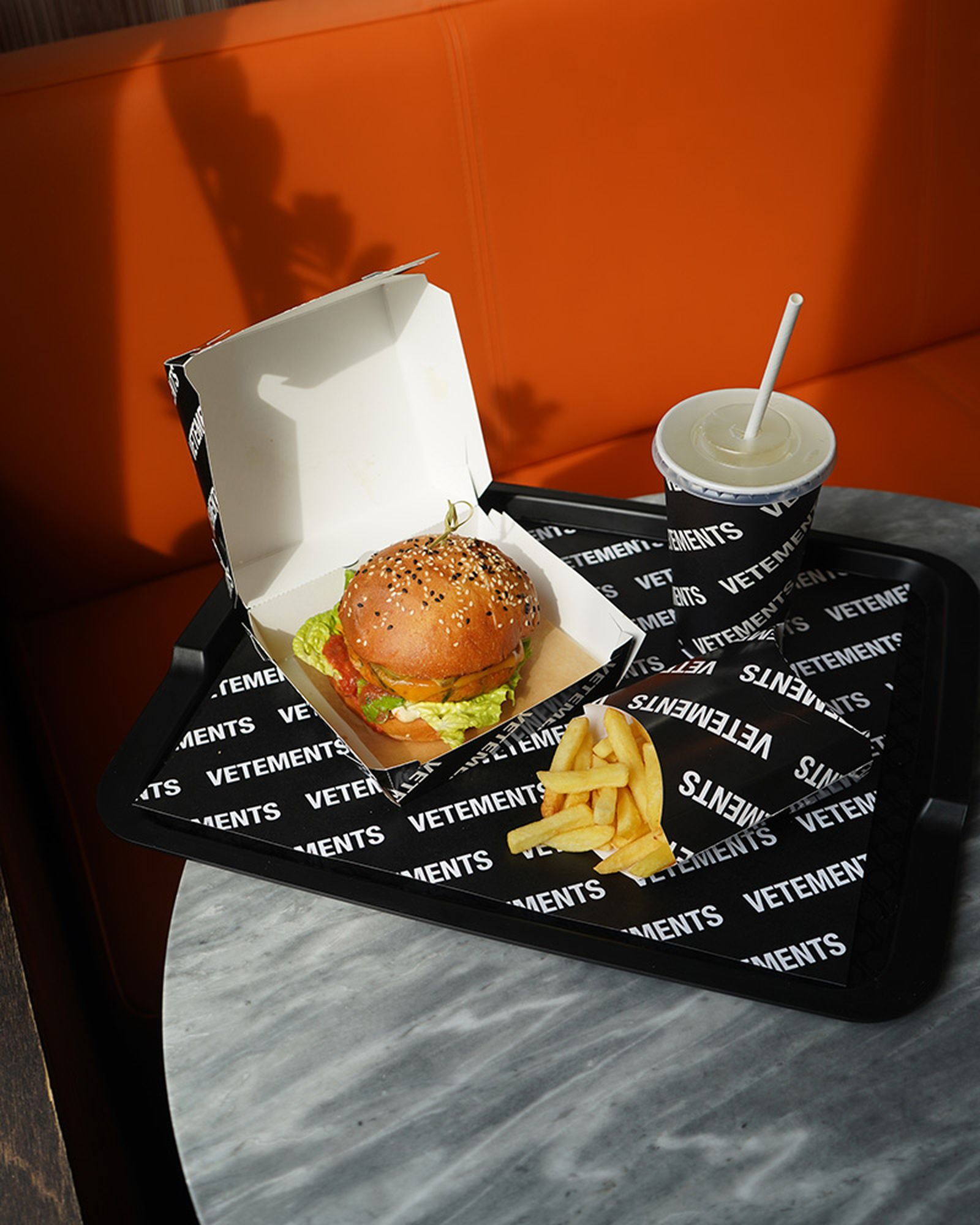 vetements-burger-01