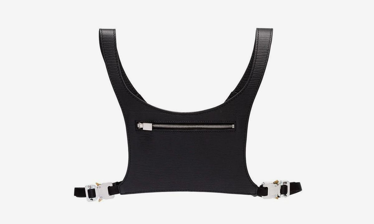 1017 ALYX 9SM Drops New Minimal Chest Rig for Hands-Free Carrying