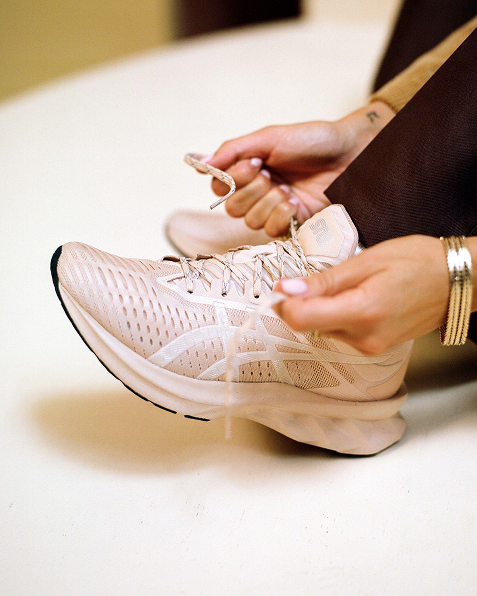 sneakersnstuff-asics-novablast-release-date-price-10