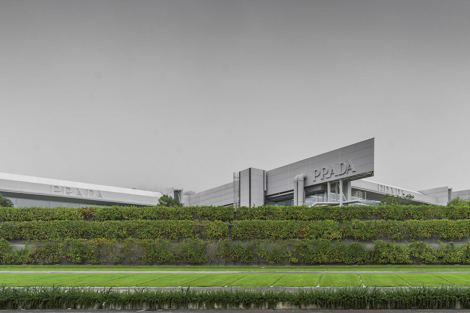 prada-hq-garden-factory-valvigna-04