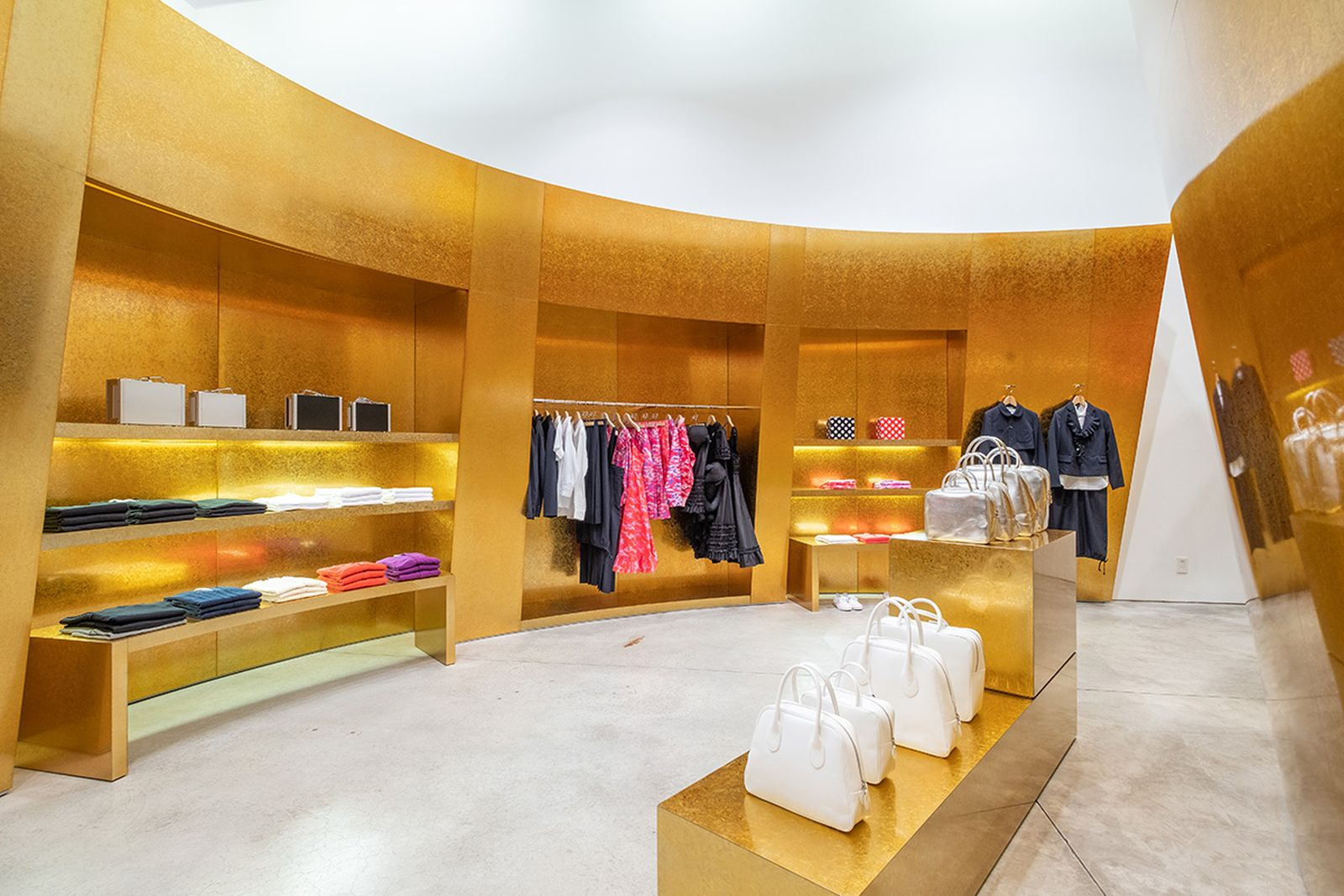 game-changers-best-store-interiors-changed-fashion-cdg-new-05