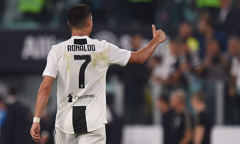 You Won't Believe How Much Money Cristiano Ronaldo Makes Off Instagram