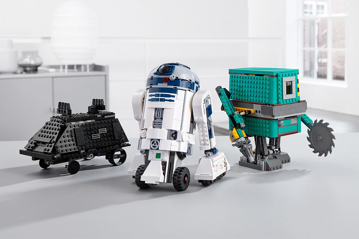 This LEGO Star Wars BOOST Droid Commander Set Lets Fans Build & Code Three Iconic Robots