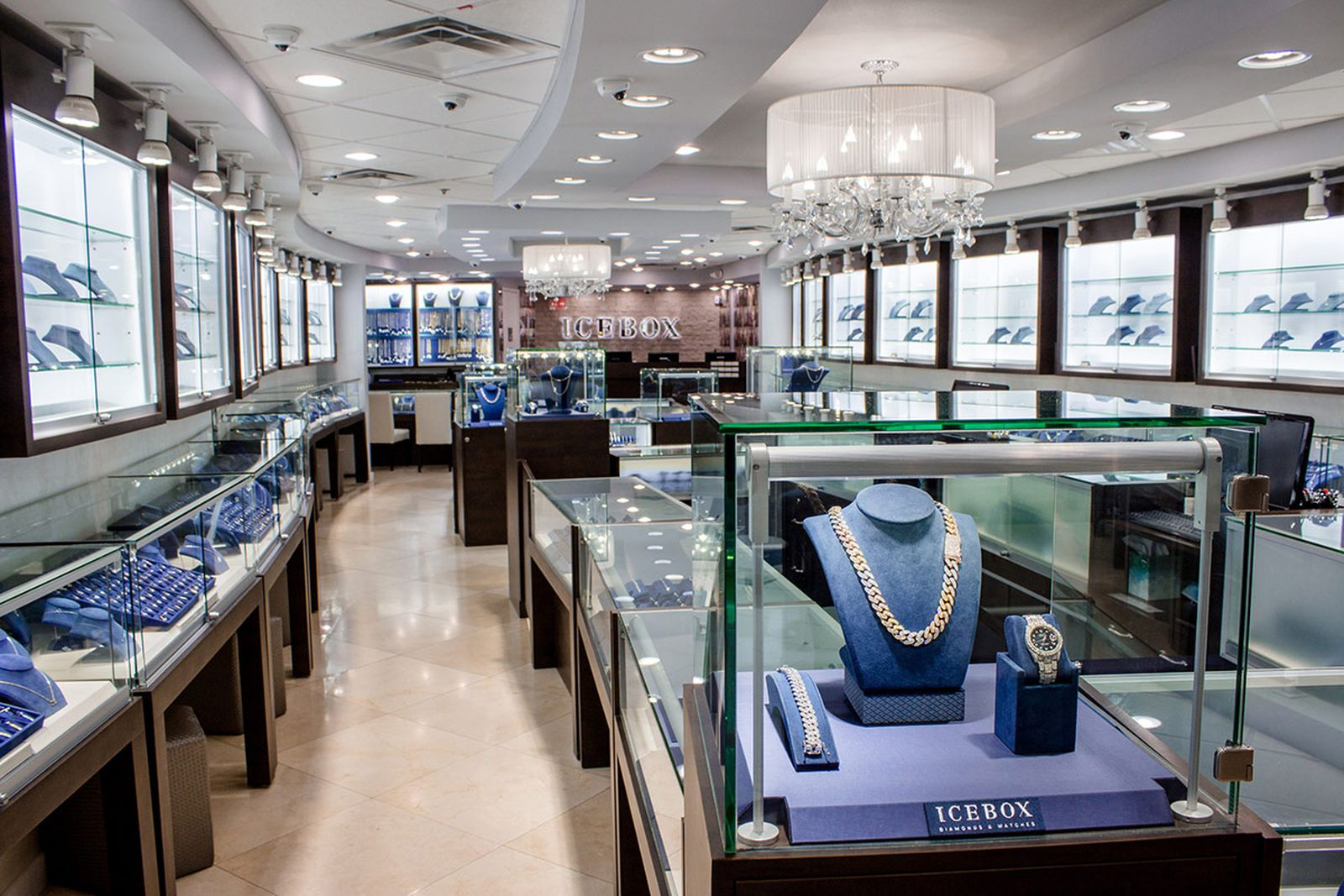 inside-icebox-hip-hops-favorite-jewelry-store-01