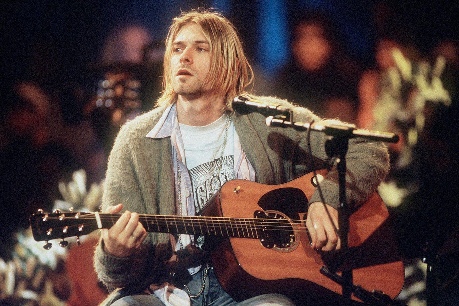 "Kurt Cobain ""MTV Unplugged"" performance NY 1994"