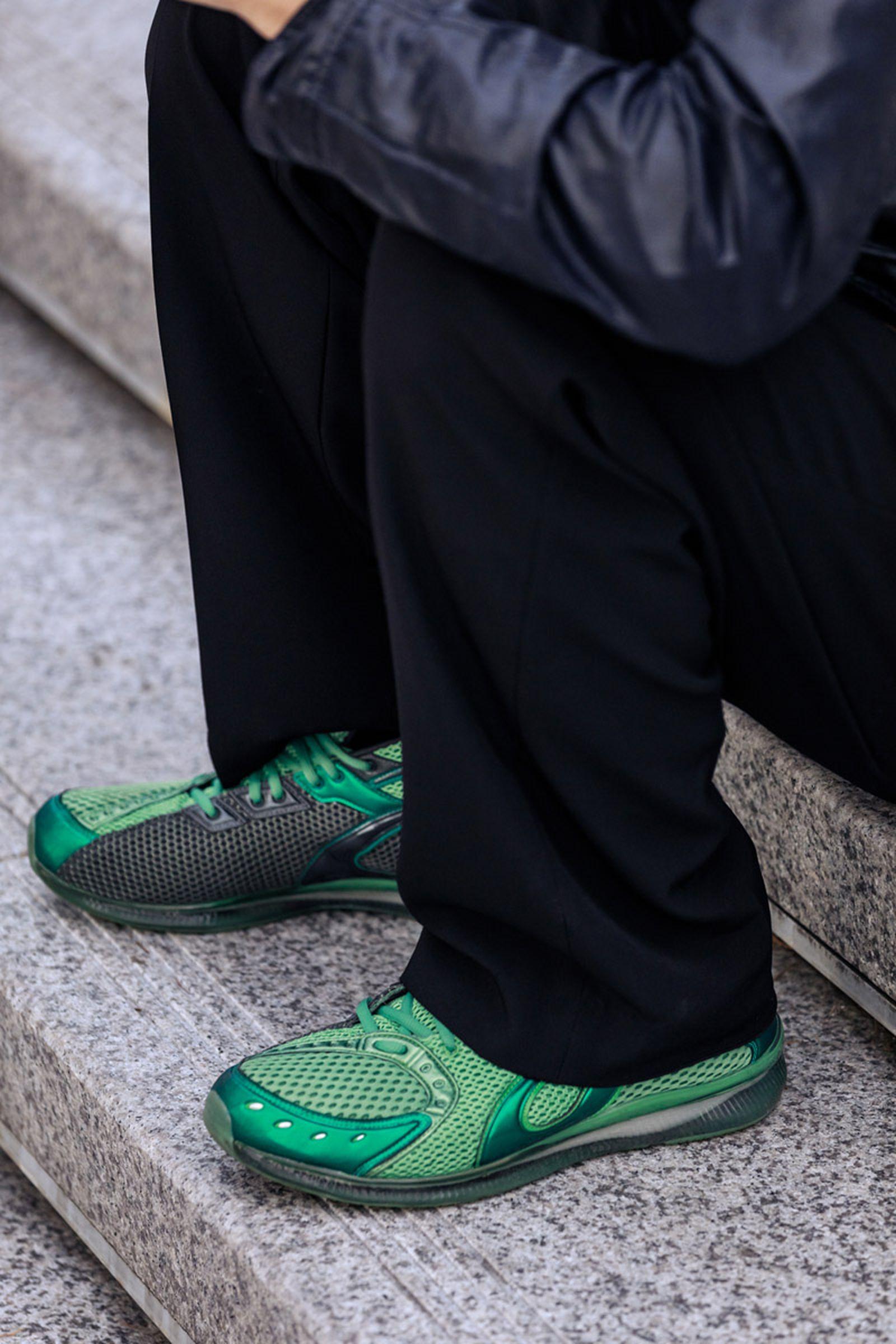 seoul-fashion-week-sneaker-street-style-ss20-6