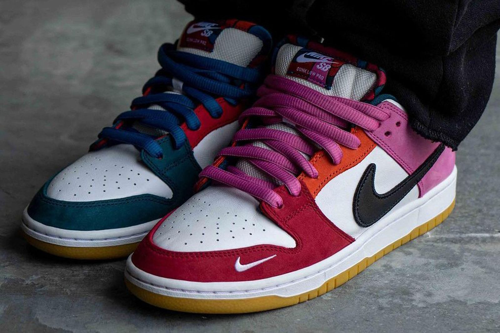 parra-nike-sb-dunk-low-2021-release-date-price-1-03